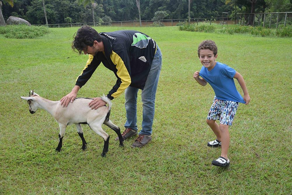 A Fazenda Capoava é cheia de animais, uma diversão para a criançada! Conheça mais sobre o hotel no post!