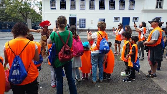 Agenda kids walking tour