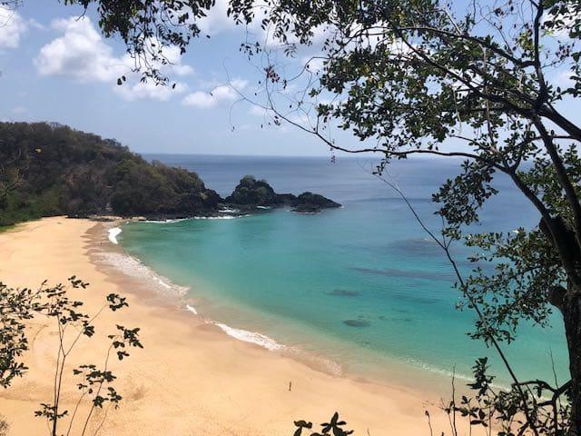 Praias de Fernando de Noronha Sancho