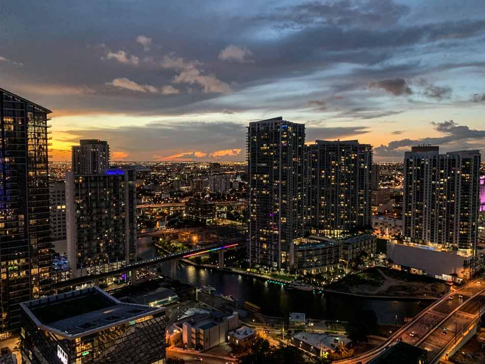 Restaurantes em Miami EAST